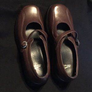 "Brown Leather Dansko ""Mary Jane"" shoes sz39"